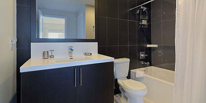 North York Serviced Apartments Hullmark Bathroom