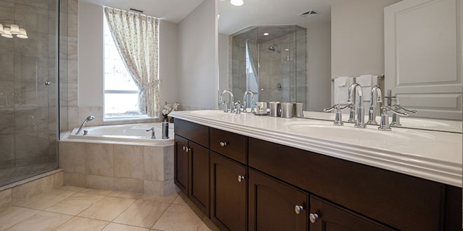 North York Short Term Rental Meridian Townhome Ensuite Bathroom
