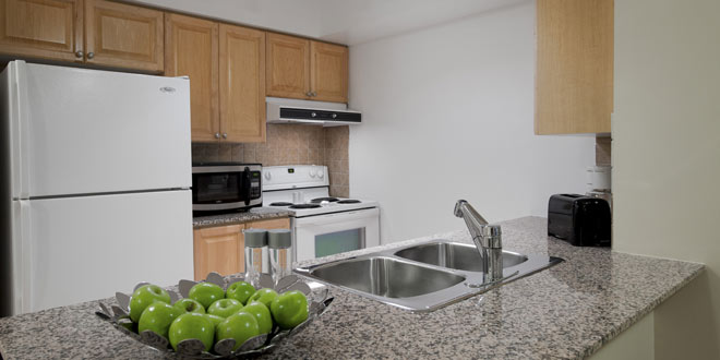 Scarborough Executive Rentals 360 City Centre Kitchen
