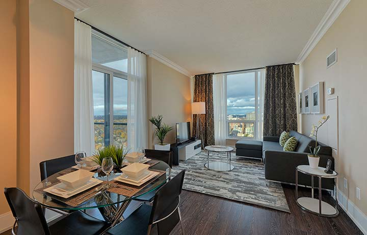 Etobicoke Executive Rentals Parc Nuvo Dining and Living Room