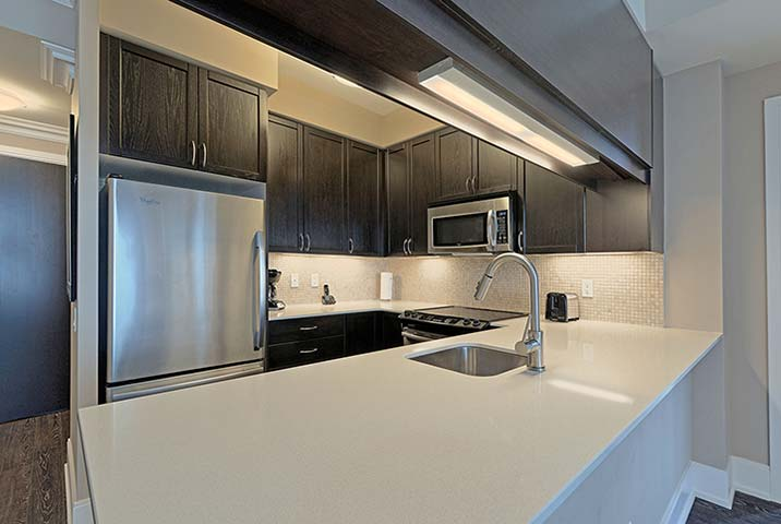 Etobicoke Extended Stays Parc Nuvo Kitchen