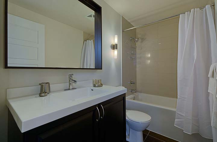Extended Stay Etobicoke Parc Nuvo bathroom