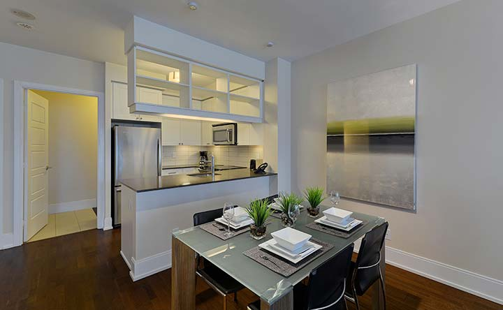 Etobicoke serviced apartments Parc Nuvo townhouse dining area and kitchen