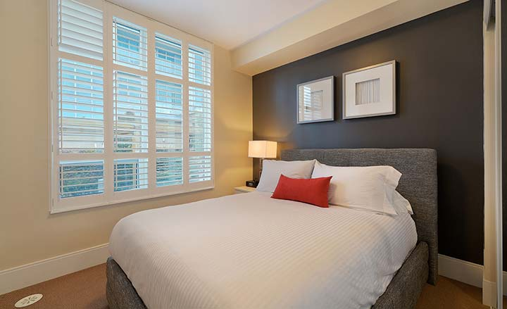 Etobicoke Extended Stays Parc Nuvo townhouse bedroom