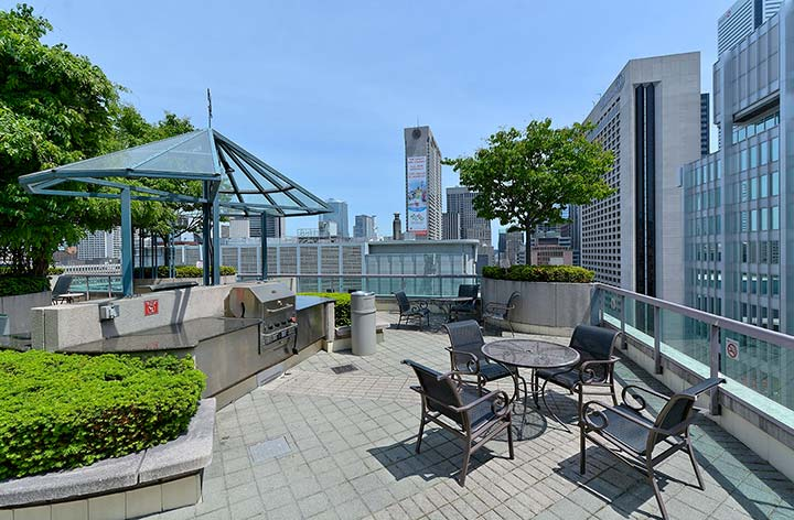 Downtown Toronto Short Term Rentals Qwest Rooftop Patio