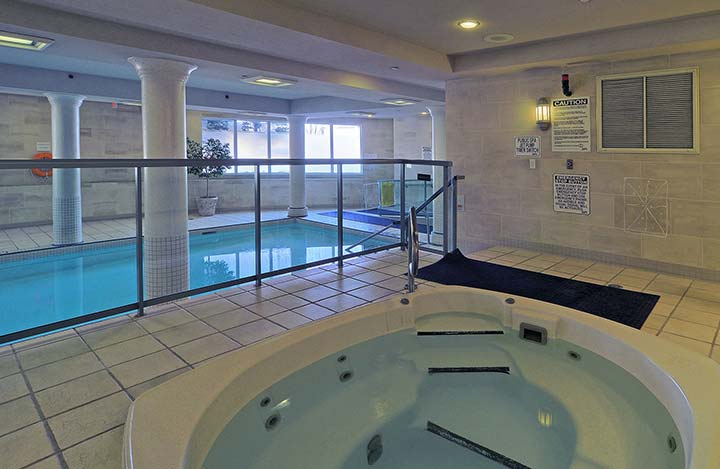 Scarborough Furnished Suites Forest Vista Swimming Pool and Whirlpool