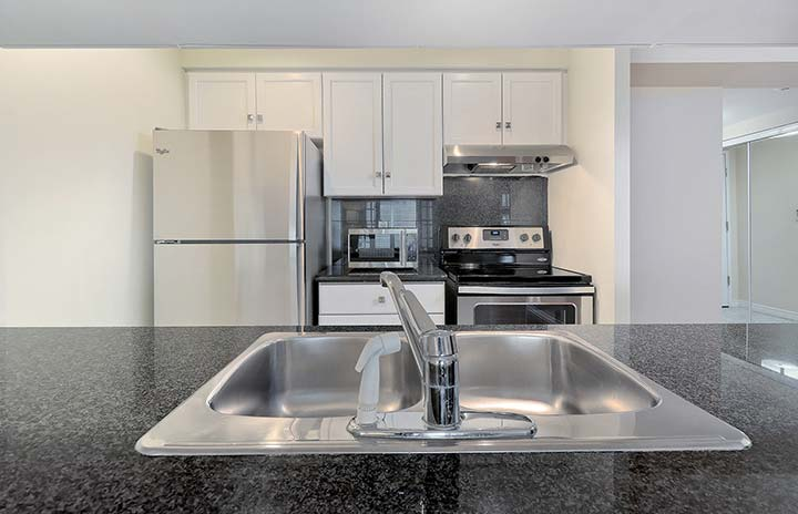 Downtown Toronto Furnished Apartments Qwest Kitchen