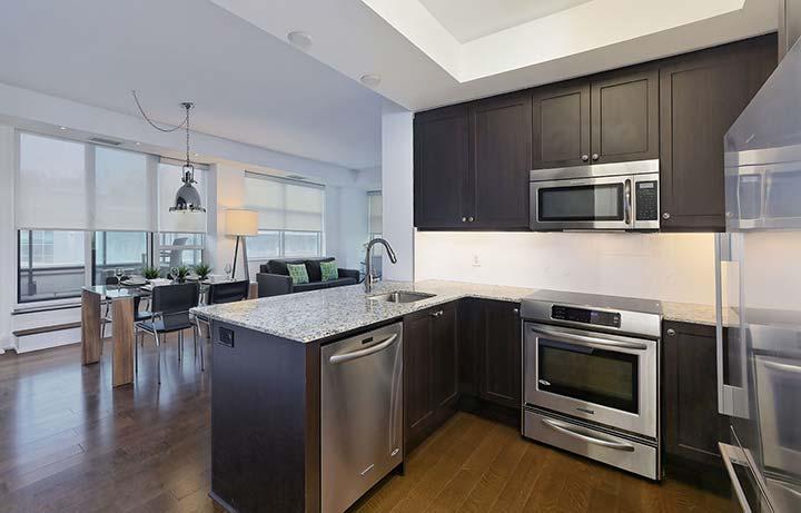 Etobicoke Apartment Rentals Old Mill - Kitchen