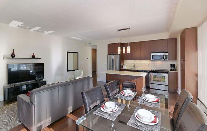 Roehampton Furnished Rentals Toronto - Deluxe - Living Room