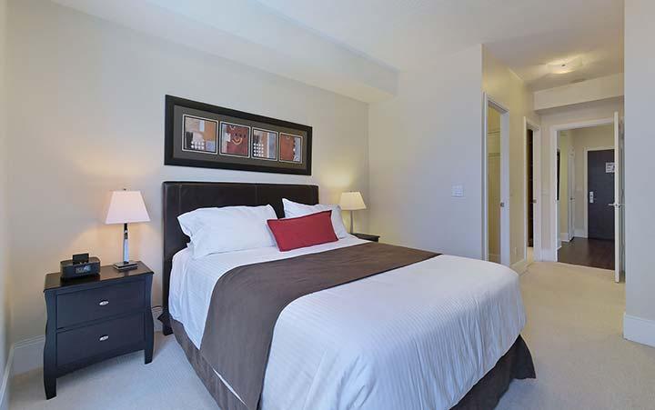 Roehampton Short Term Rentals Toronto - Deluxe - Balcony